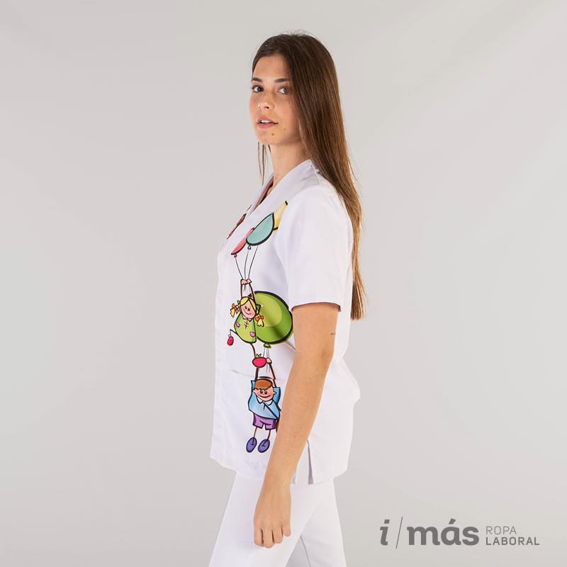 Blusa abierta estampada con niños y globos en microfibra