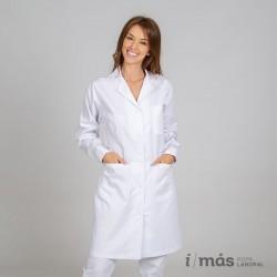 Bata de médico o laboratorio de chica entallada, larga con manga larga y botón en el puño
