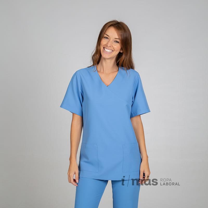 Casaca de pijama en microfibra azul celeste